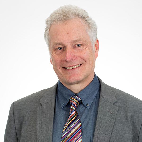 Michael Palmer Cyfarwyddwr Gweithredu a Pherfformiad